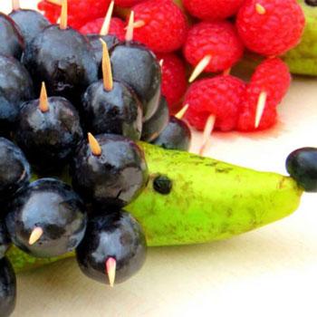Egészséges gyümölcs sünik - sündisznó alakú kínáló