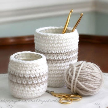 Crochet cozy for jars and cans