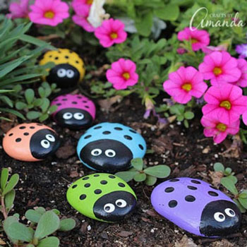 Ladybug rocks - painted rocks craft for kids