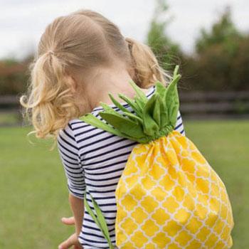 Ananászos tornazsák gyerekeknek - szabásmintával