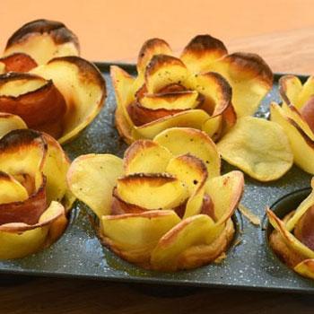 Krumpli rózsák baconnel és leveles tésztával egyszerűen