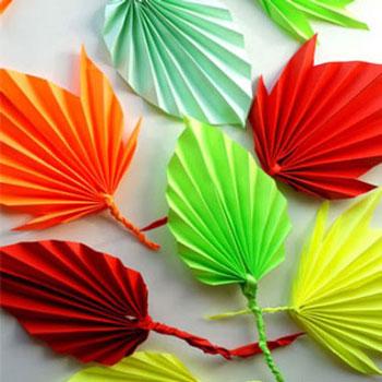 Színes őszi papír falevelek harmonika hajtással