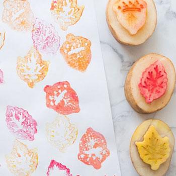Őszi falevél krumpli nyomda - kreatív őszi ötlet gyerekeknek