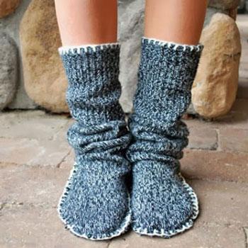 Meleg zokni cipők régi pulóverekből egyszerűen