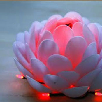 DIY plastic spoon lotus lamps
