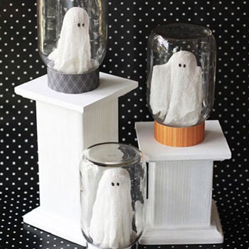 Ghost in a jar - adorable Halloween decor