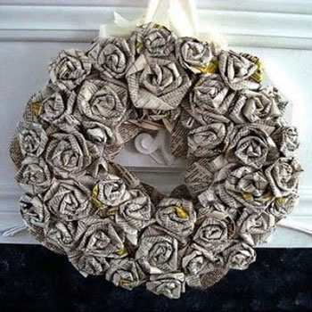 How to make a rolled newspaper rose wreath