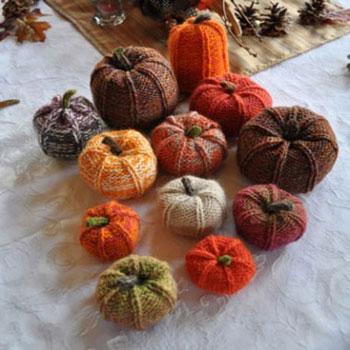 Puha kötött tökök - őszi dekoráció