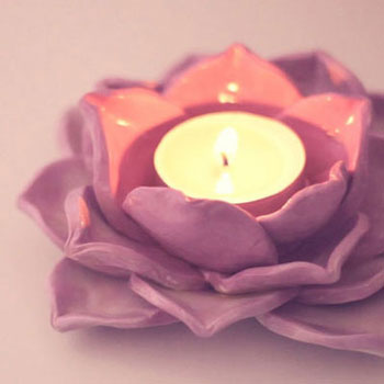 DIY gorgoeous lotus candle holders with air drying clay