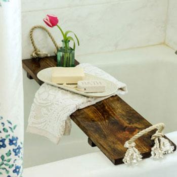 Rusztikus fürdőkád tálcák fából egyszerűen