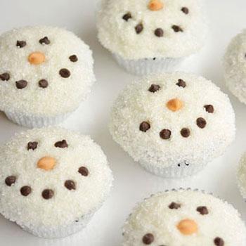 Aranyos hóemberes muffinok cukorral - téli desszert