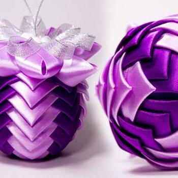 Gyönyörű karácsonyfadísz gömbök szalagokból kanzashi technikával