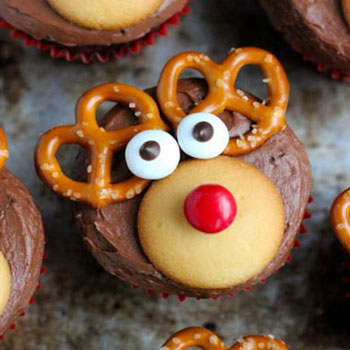 Chocolate Rudolph reindeer cupcakes with pretzels