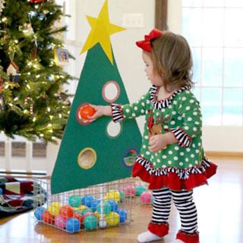 Karácsonyfa díszítő játék gyerekeknek kartonpapírból