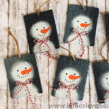 Hóemberes ajándékkísérő kártyák farmerből - kreatív újrahasznosítás