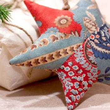 Pufi folt varrott csillagok - patchwork karácsonyfadíszek