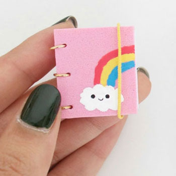 Miniatűr jegyzettömb ( könyv ) házilag egyszerűen