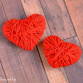 Yarn wrapped cardboard hearts - Valentine's day craft