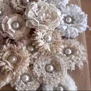 Csodaszép vintage virág brossok maradék anyagcsíkokból