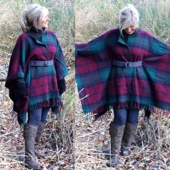 Csinos meleg téli poncsó (kabát) gyapjú pokrócból egyszerűen