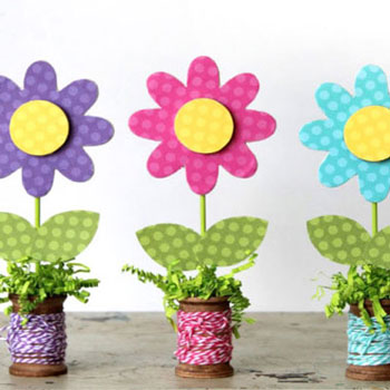 Wooden spool spring flower craft - fun spring decor