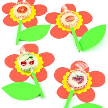 Tavaszi virág nyalóka színes papírból - kreatív ajándék ötlet