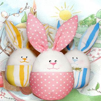 Plüss húsvéti tojás nyuszik (ingyenes szabásmintával)