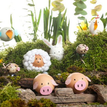 Easter decoration with animals out of Easter egg shells