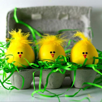 DIY Chick Easter eggs - fun egg painting idea