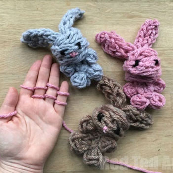 DIY Easy finger knitted bunny - Easter craft for kids