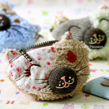 DIY Cat patchwork coin purse - free sewing pattern