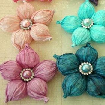Gyönyörű pufi tavaszi krepp papír virágok egyszerűen