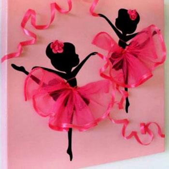 Táncoló balerinás falikép egyszerűen tüll szoknyával (gyerekszoba dekor)