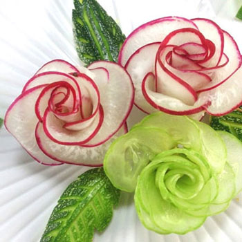Easy red radish and cucumber roses (vegetable carving)