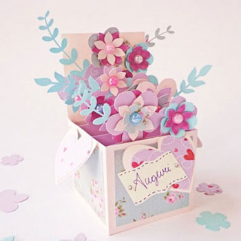 Térbeli virágos képeslap dobozzal - kreatív ajándék papírból