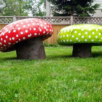 Gomba alakú kerti ülőke gyerekeknek gumiabroncsból és farönkből