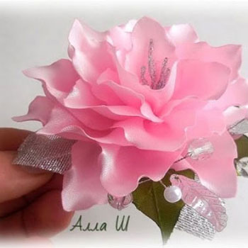 Gorgeous silk ribbon rose flower - elegant brooch