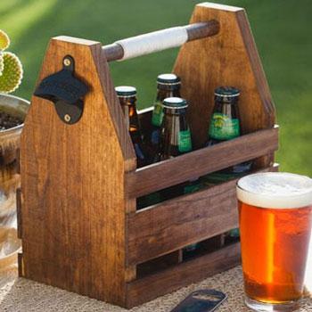 Sörtartó (sörös rekesz) fából sörnyitóval - nyári ötlet