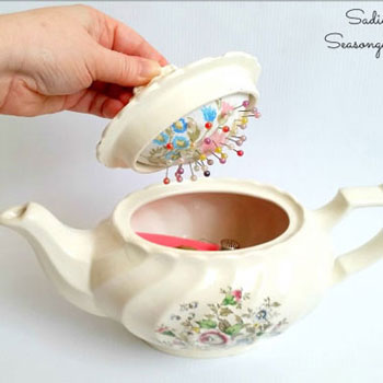 DIY Vintage teapot pincushion - upcycling craft