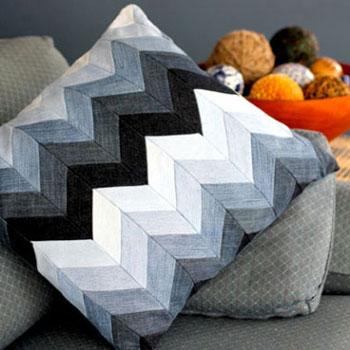 Halszálka mintás díszpárna farmer nadrágokból - patchwork