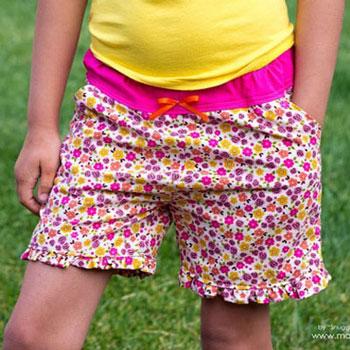 Zsebes fodros nyári rövidnadrág - ingyenes szabásminta