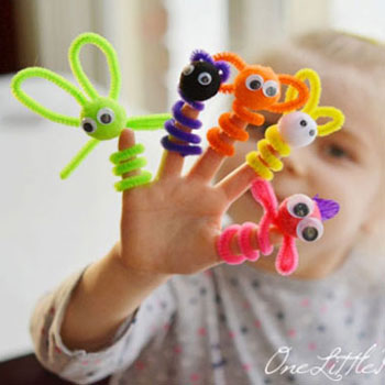 DIY Easy pipe cleaner finger puppets