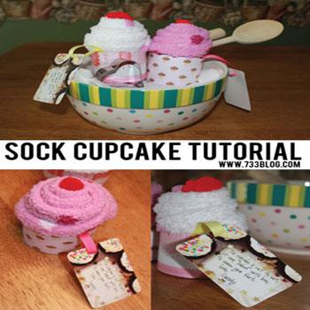 Ajándék csomagolás felső fokon - zokniból muffin