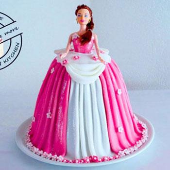 Barbie torta készítése házilag (lépésről-lépésre)