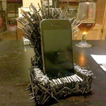 DIY Game of thrones iron throne mobile holder