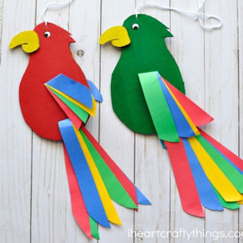 Twirling cardboard parrots - easy paper craft for kids