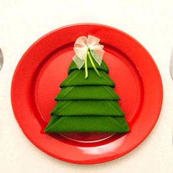 Karácsonyfa szalvéta - szalvétahajtogatás ötlet karácsonyra