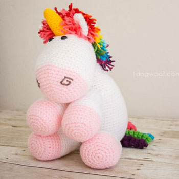 DIY Rainbow amigurumi unicorn or horse (free amigurumi pattern)