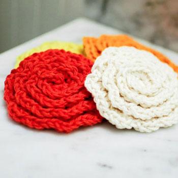 Horgolt rózsa alakú arctisztító korongok - kreatív ajándék