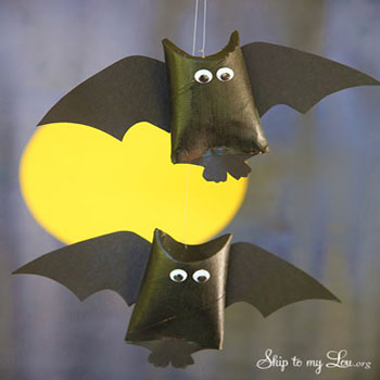 Toilet paper roll bats - Halloween craft for kids